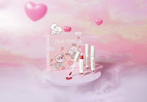 《【摩鑫代理官网】Pink Bear皮可熊x乖巧宝宝跨界同框 联名礼盒守护你的少女心》